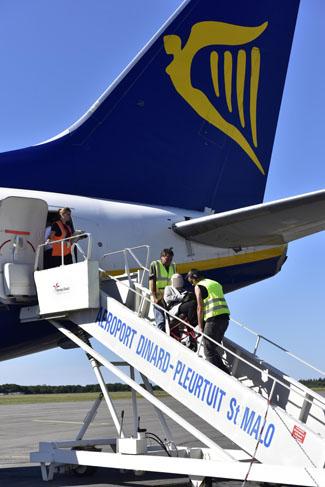 pmr-personne-mobilite-reduite-aeroport-dinard