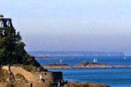 tourism-bretagne-airport-dinard